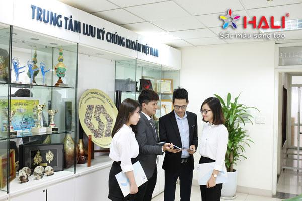 chup anh bao cao thuong nien VSD 2018