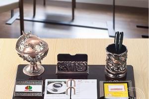 4 lưu ý cần biết trong văn hóa tặng quà văn phòng